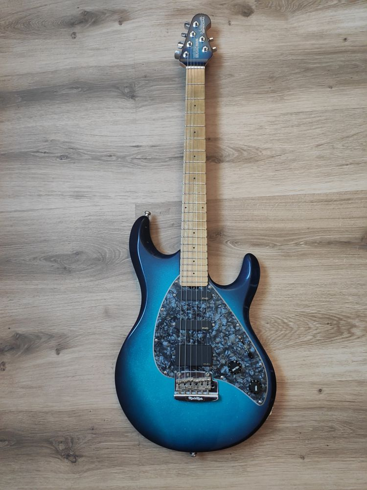 Music Man Silhouette Special 2001